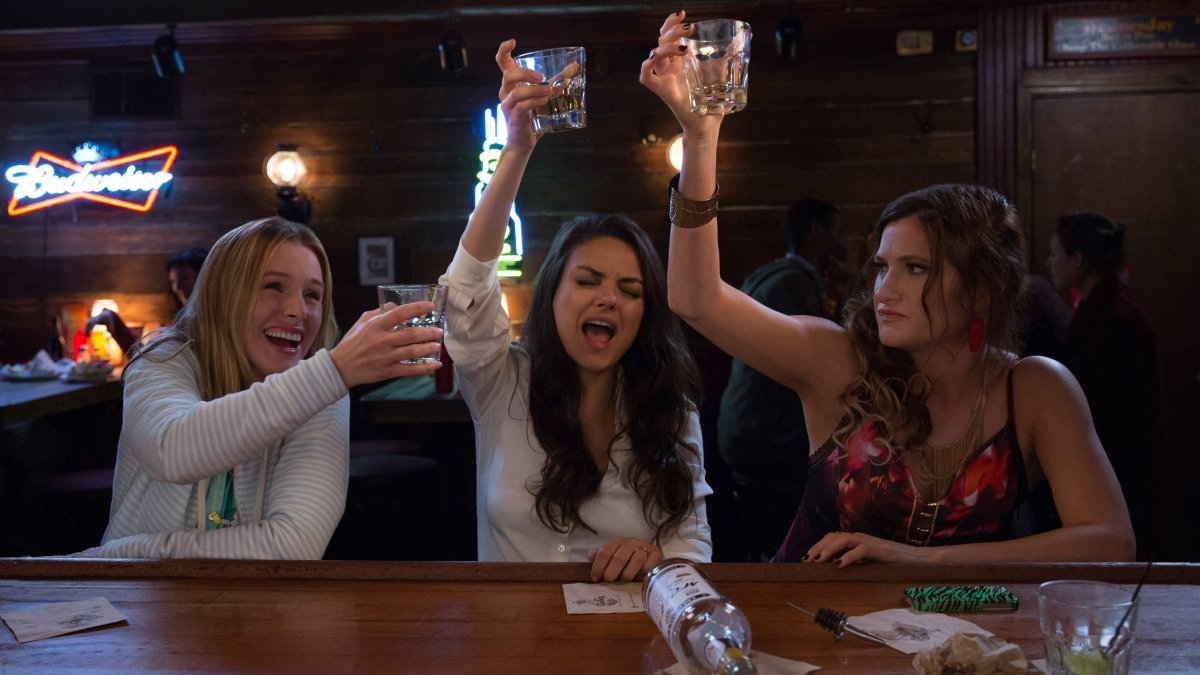 Review - Bad Moms (2016)